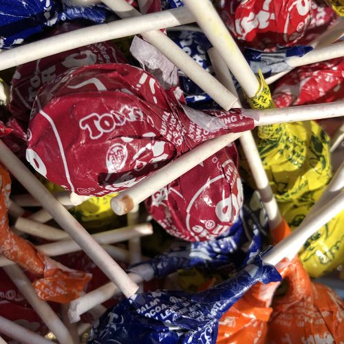 Tootsie > Candy > Charms > Charms Mini Pops  |Root Beer Tootsie Pops